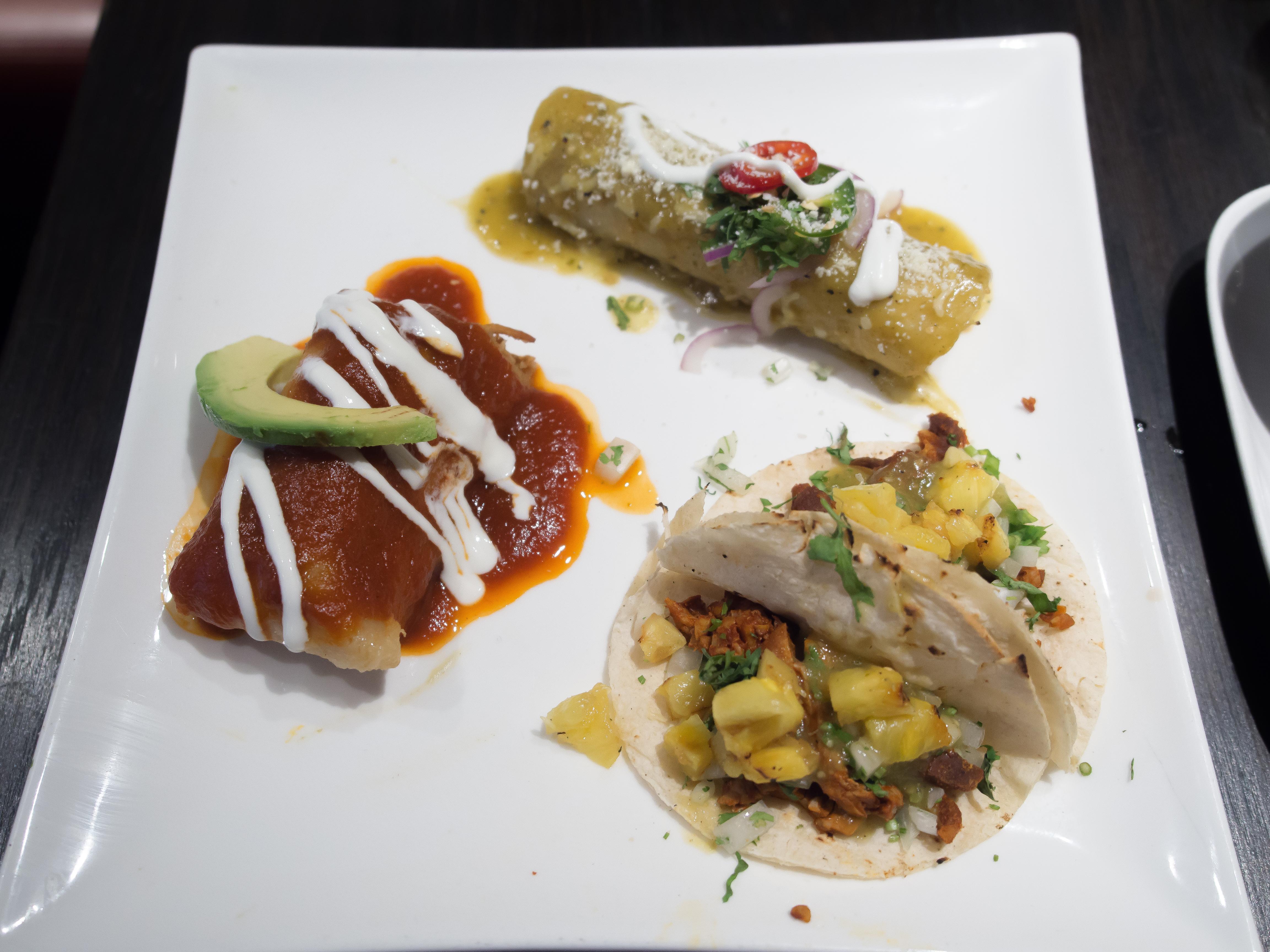 Plato Maya Chicken Tinga Tamal, Chicken Enchilada, Taco al Pastor